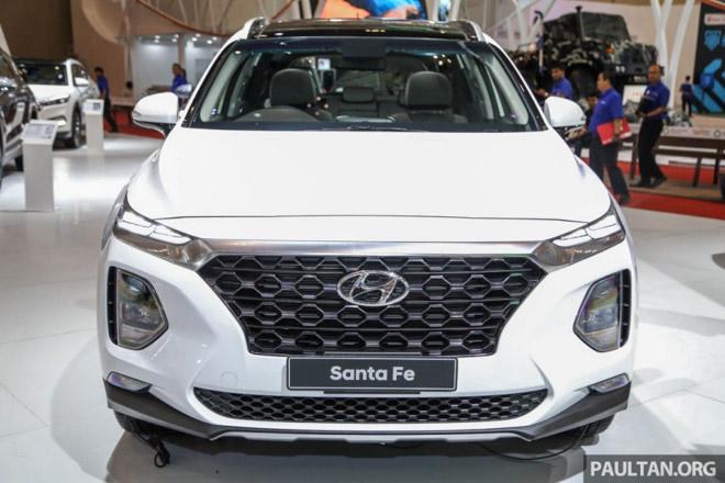 Hình Ảnh Hyundai SantaFe 2019 Hiện Đại Và An Toàn Hơn 1