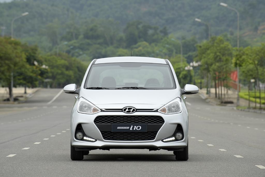Hình Ảnh Hyundai i10 Và Toyota Wigo - Xe Nào Chất Hơn 18