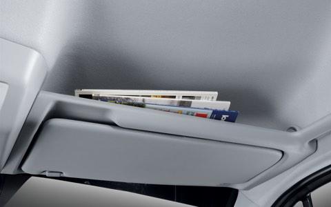 Hình Ảnh Hyundai Solati 16 Chỗ Có Gì Để So Sánh Với Ford Transit 6