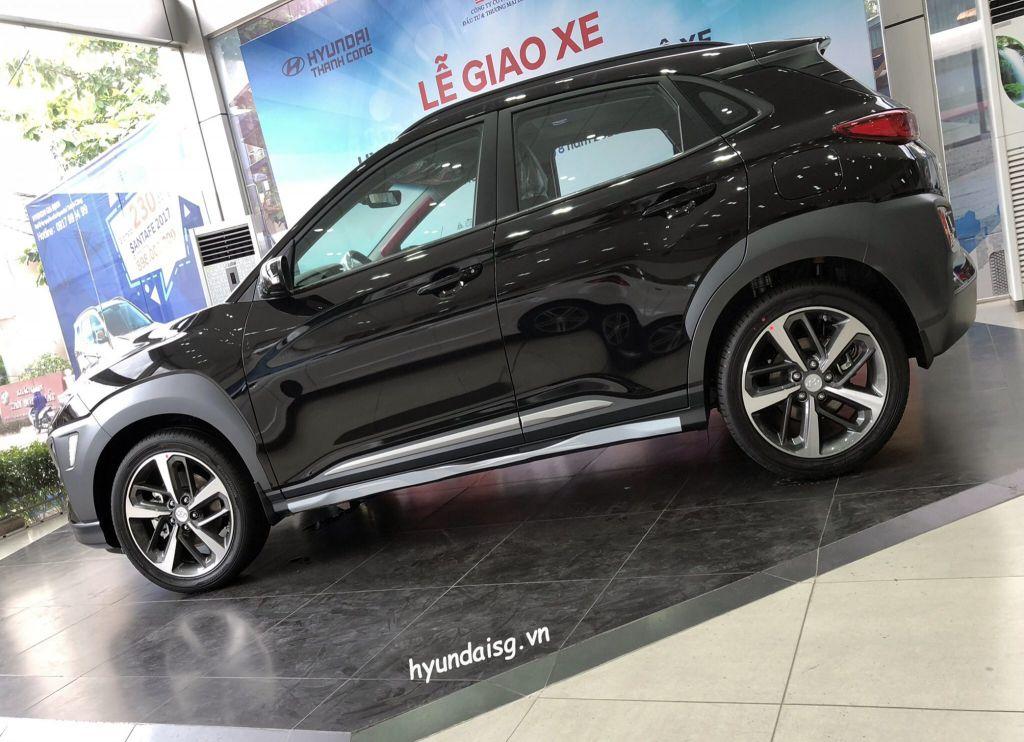 Hình Ảnh Hình Ảnh Xe Hyundai Kona Màu Đen 26