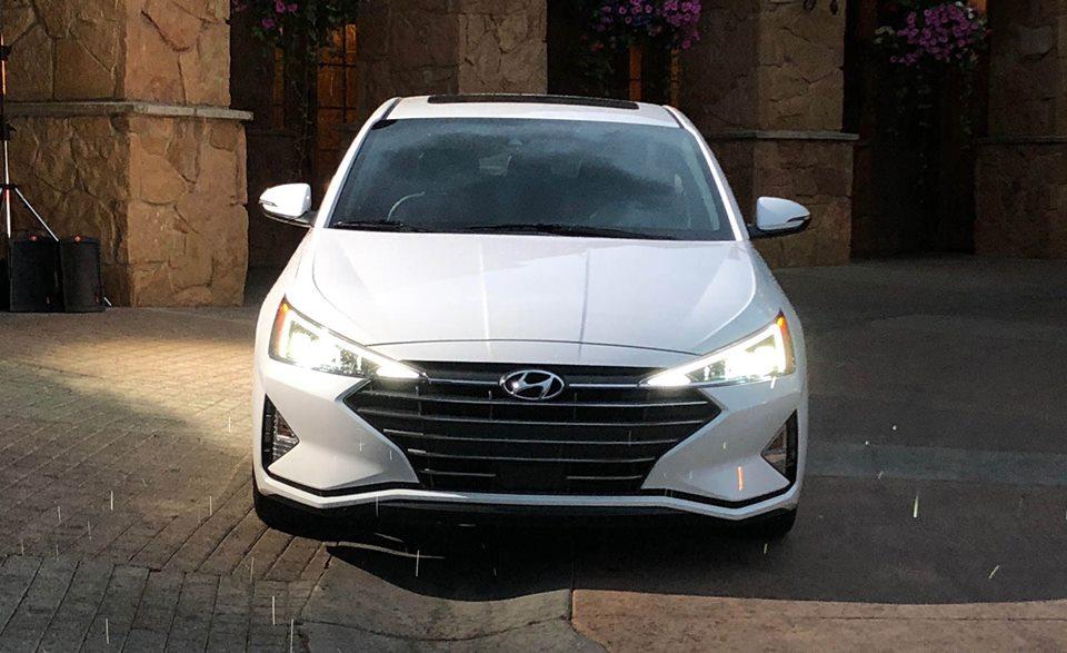 Hình Ảnh Thực Tế Của Hyundai Elantra 2019
