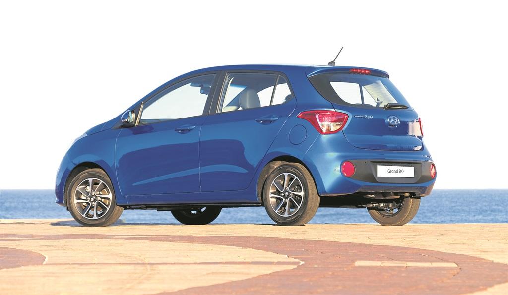 Giá bán và cách tính lãi suất khi mua Hyundai Grand i10