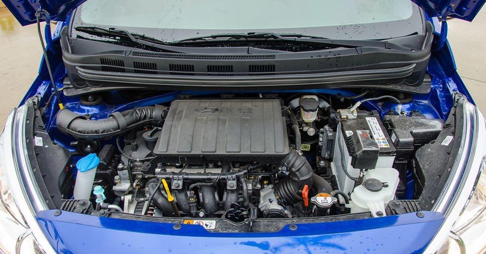 Hình Ảnh So sánh giải trí - vận hành sedan và hatchback của Grand i10 4