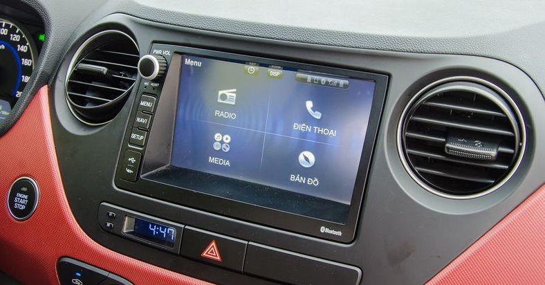 Hình Ảnh So sánh giải trí - vận hành sedan và hatchback của Grand i10 1