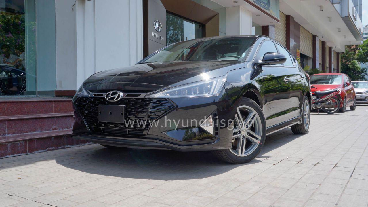 Hình Ảnh Hyundai Elantra Sport 2019 Màu Đen 7