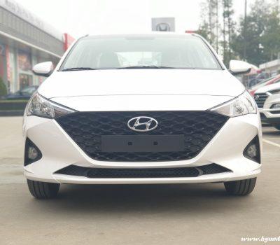 Hình ảnh Hyundai Accent 2021 màu trắng (số sàn bản thiếu)